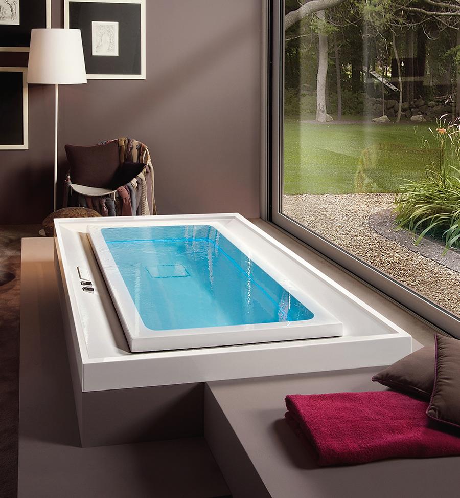 Luxusní obdélníková vířivka s přelivnou hranou, podsvícením a top designem.